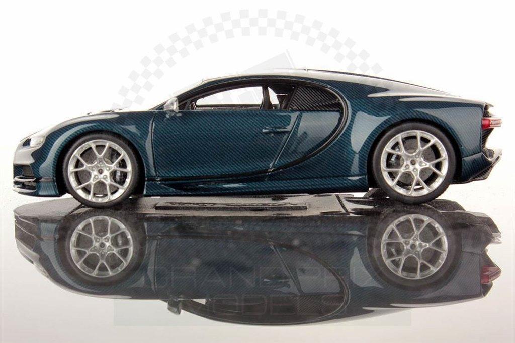 bugatti chiron 2017 blue carbon by looksmart. Black Bedroom Furniture Sets. Home Design Ideas