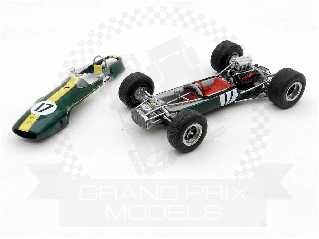 white metal model to assemble and paint Lotus 33 racing car kit